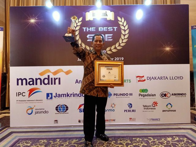PT KIW infobank golden award