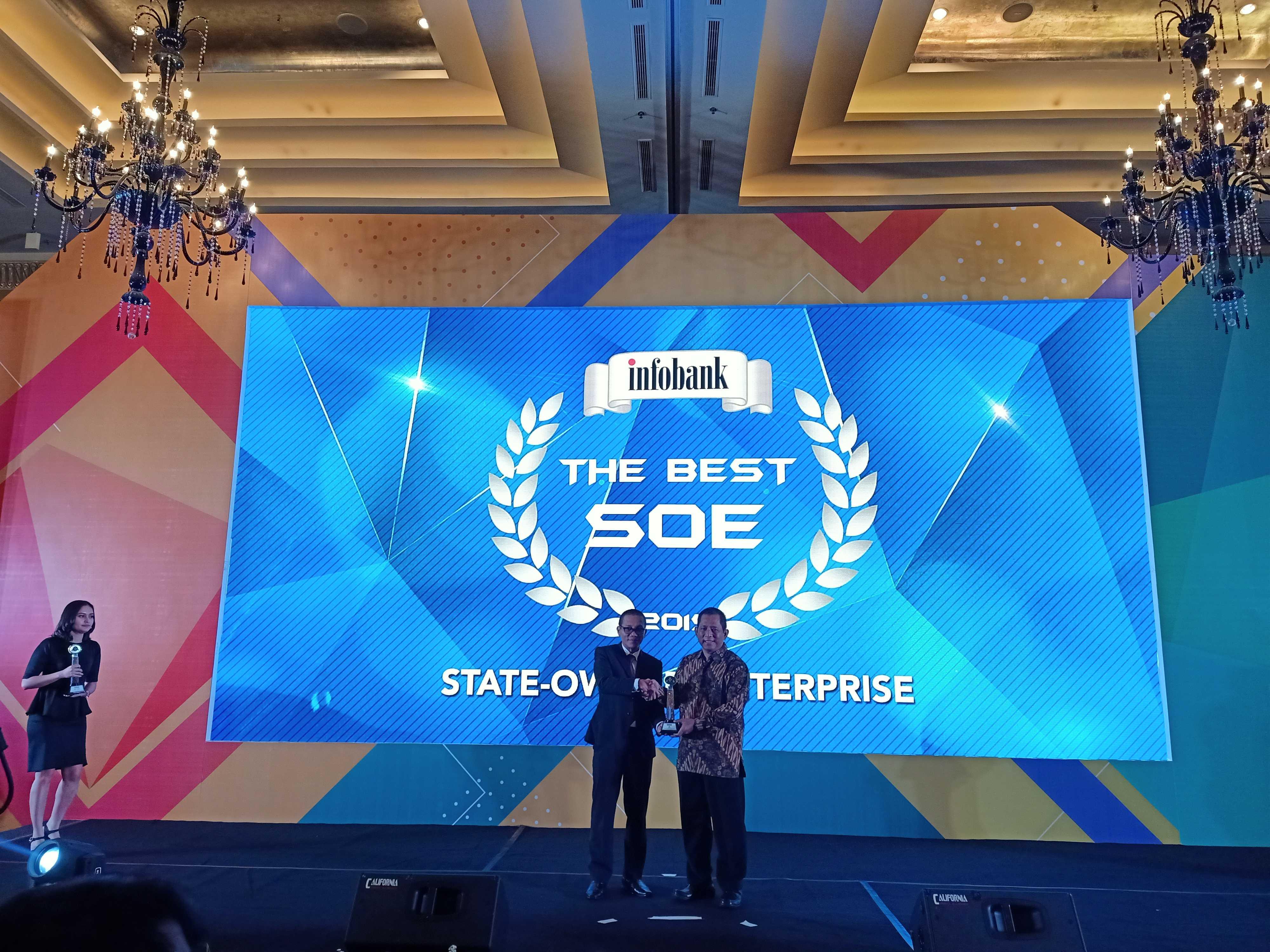 penghargaan infobank golden award